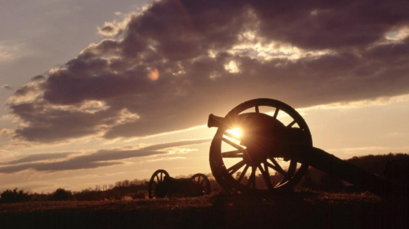 Cannon at sunset at Saratoga NHP – Stock Studios Photography