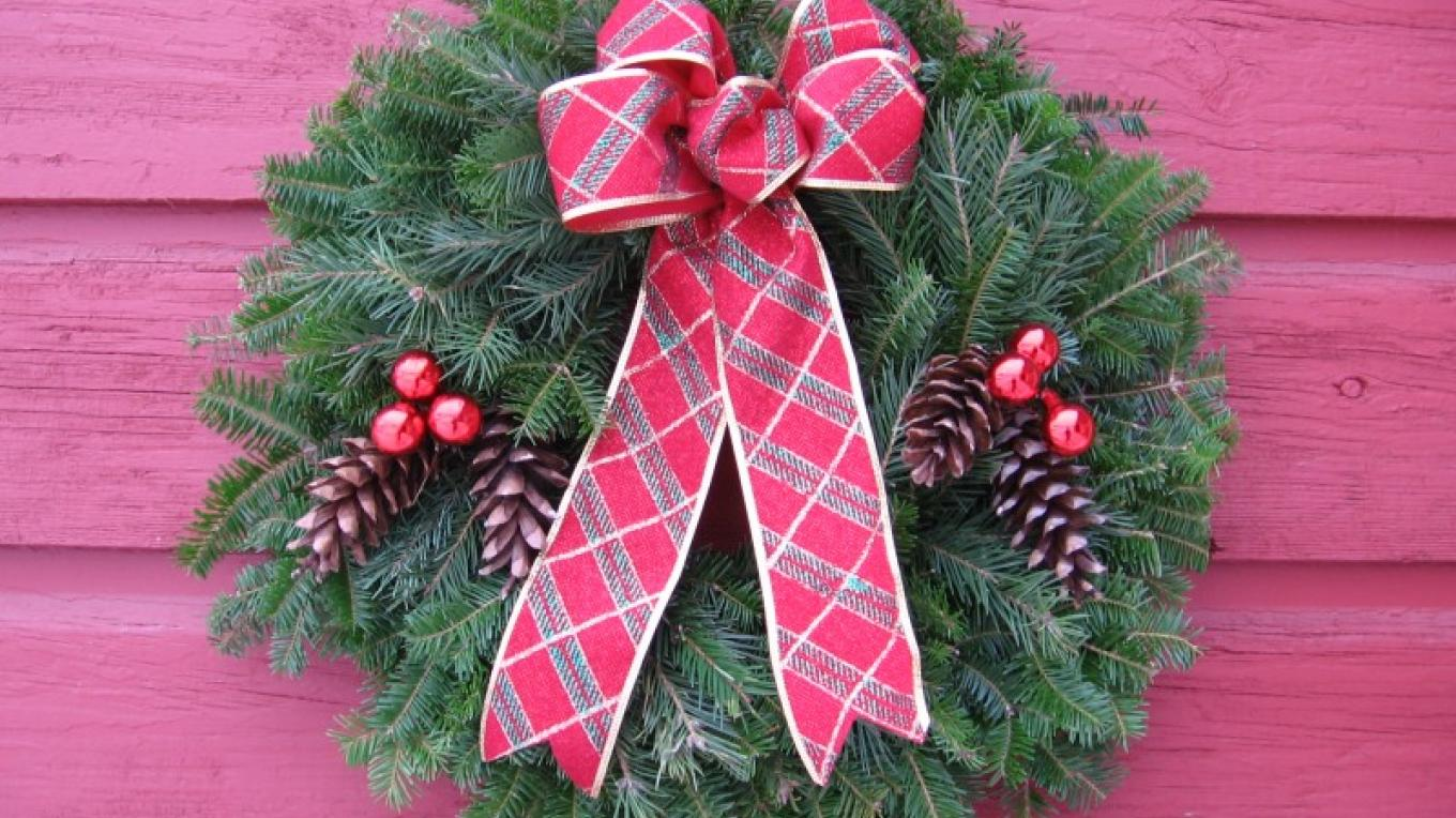Farm fresh full and fragrant evergreen wreaths made at Gardenworks...Join us for a workshop with your friends.