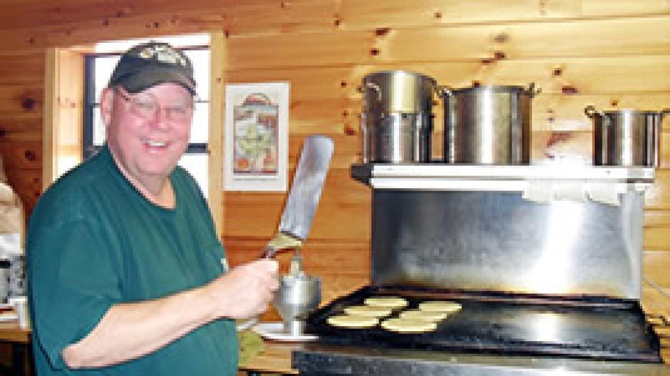 Breakfast at Valley Rd. Maple Farm starts at 9:00 AM on each day.