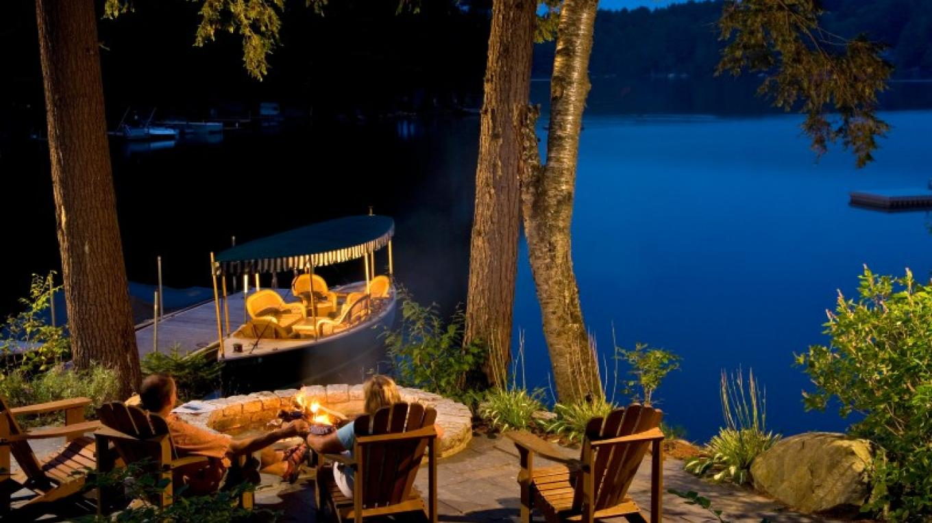 The lakeside firepit is the scene of many an evening late night s'more! – Randall Perry Photography