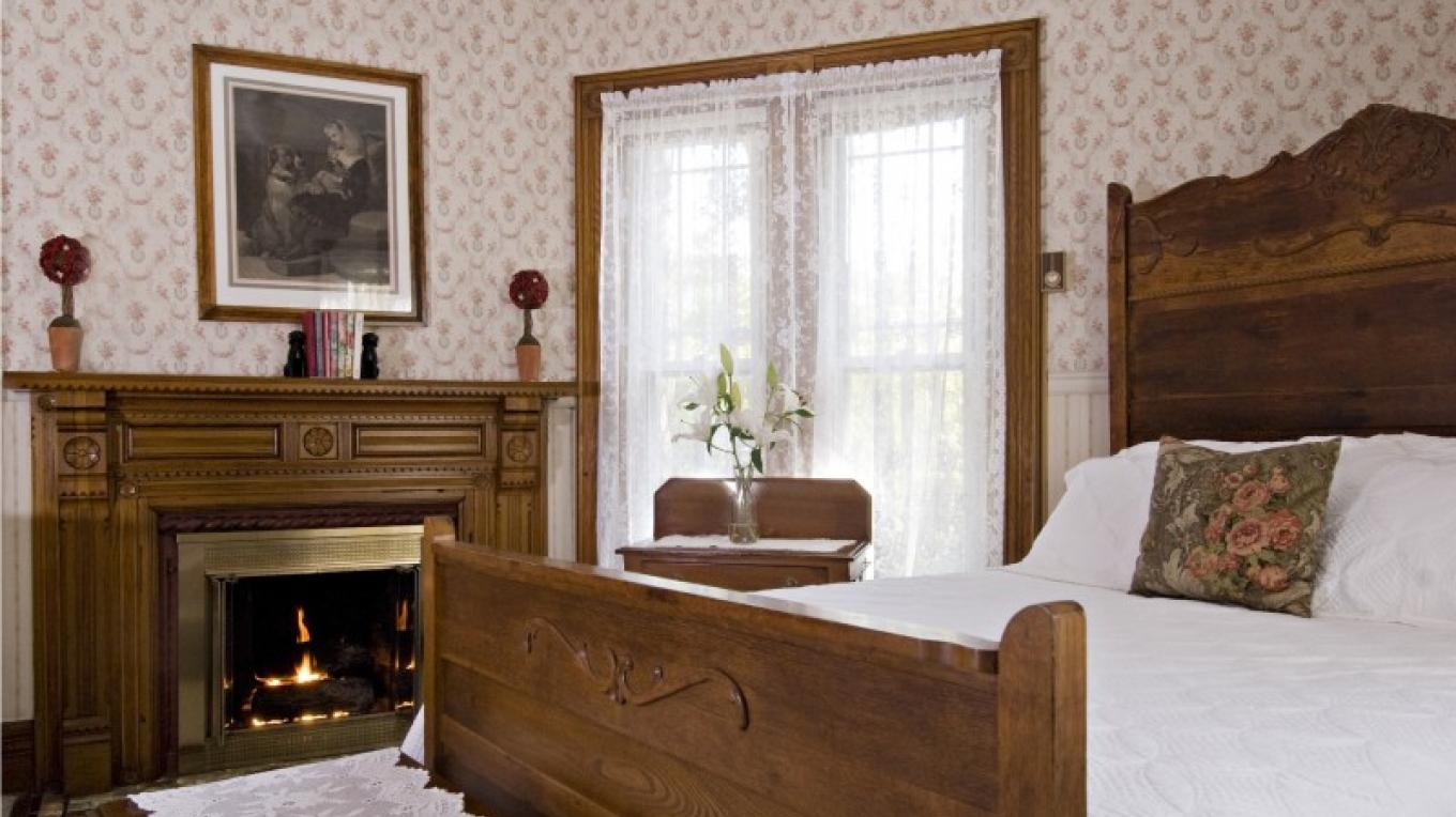 1890 Building - Rose Room