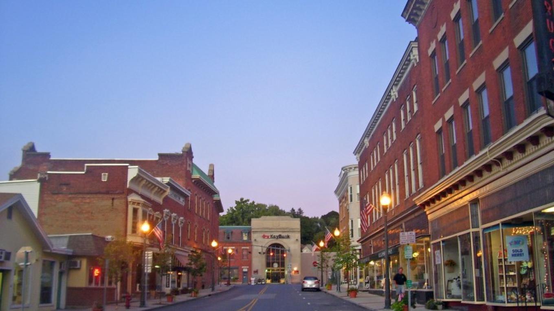 Downtown Hoosick Falls – Wikimedia/ Daniel Case