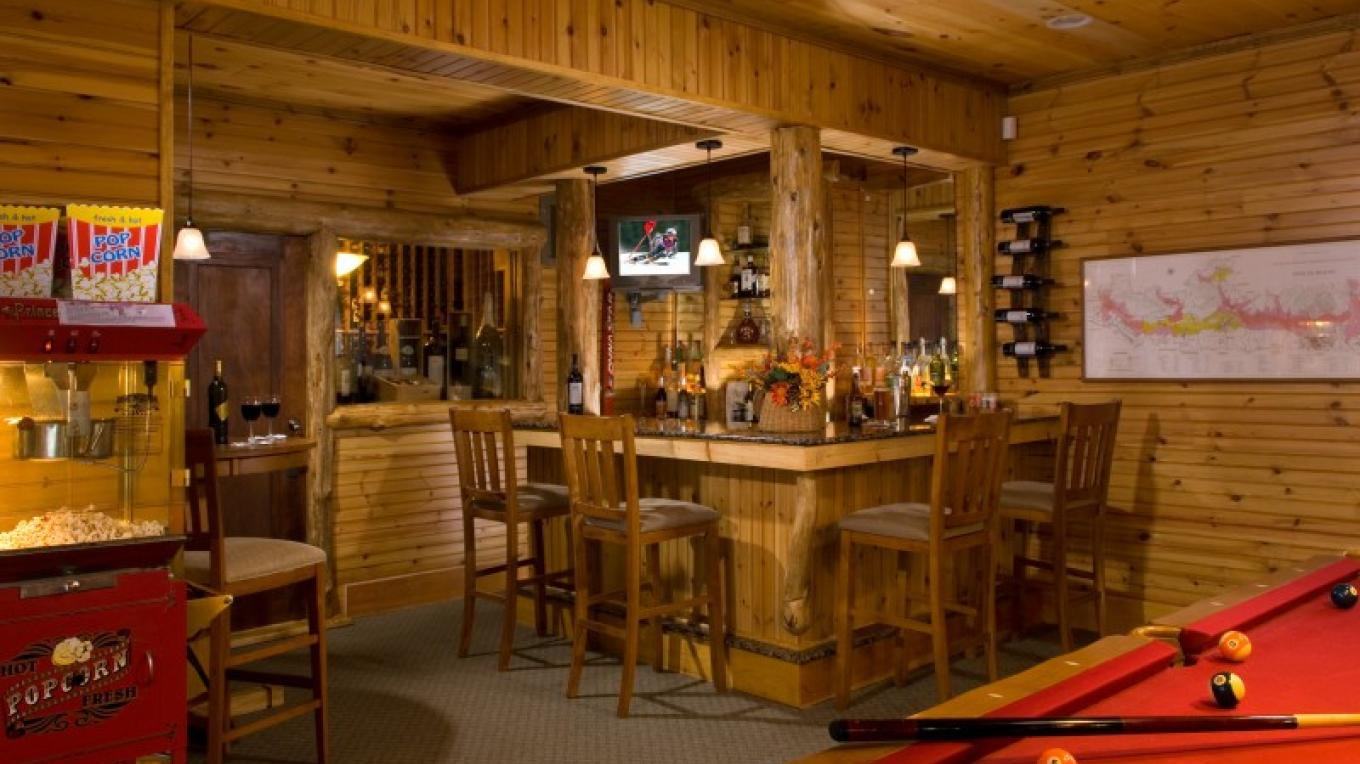 """Our help-yourself """"honor bar"""" along-side the pool table is a popular evening spot. – Randall Perry Photography"""