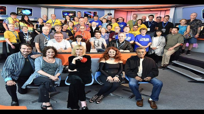 Trekonderoga 2015. Group shot, guests, crew a couple visitors. – Gary Tobler for Star Trek Tour
