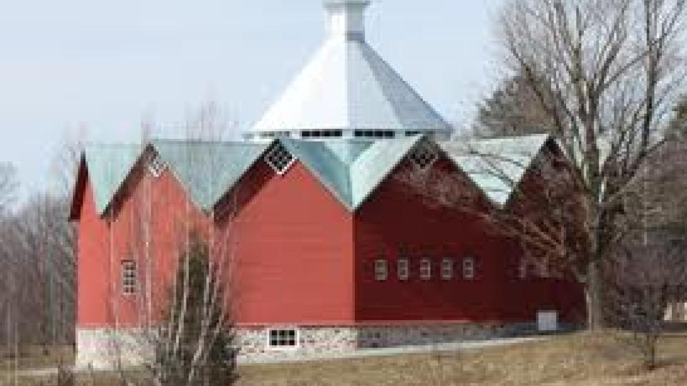 The 12-sided Walbridge Barn built in 1882 – Matthew Farfan