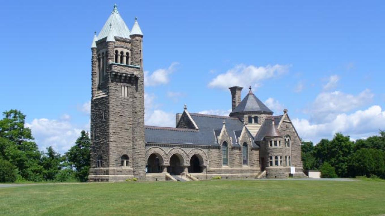 Gardner Earl Memorial Chapel – Bernie Vogel