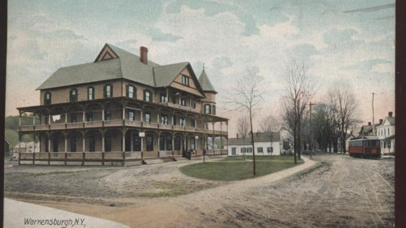 Adirondack Hotel with Trolley around 1910 – Warrensburgh Museum of Local History
