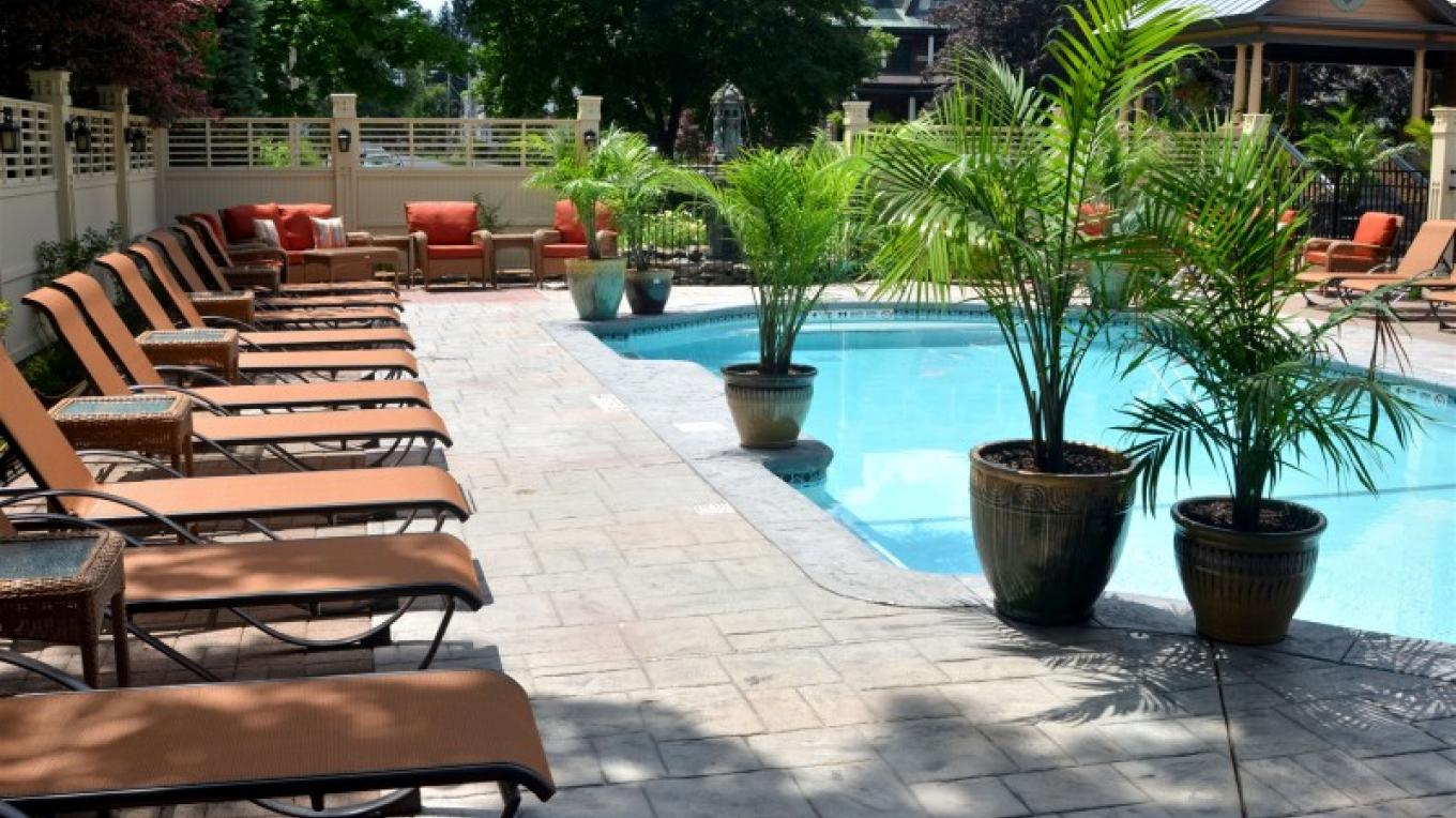 Pool and Pool Deck at Union Gables