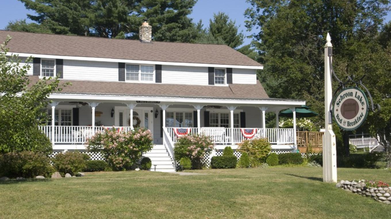 Schroon Lake Bed and Breakfast – Beth Campbell