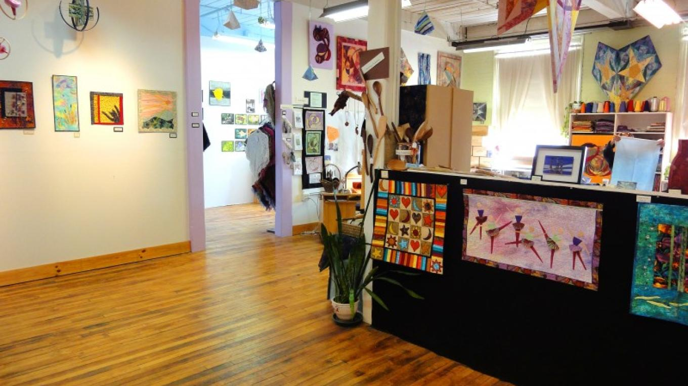 Studio 112, a textile arts gallery, studio and boutique – Kate Austin-Avon