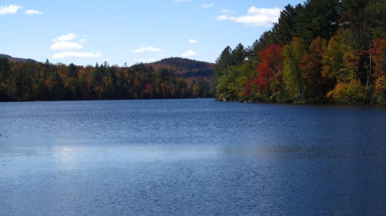 Garnet Lake in Early Fall – David  Webb