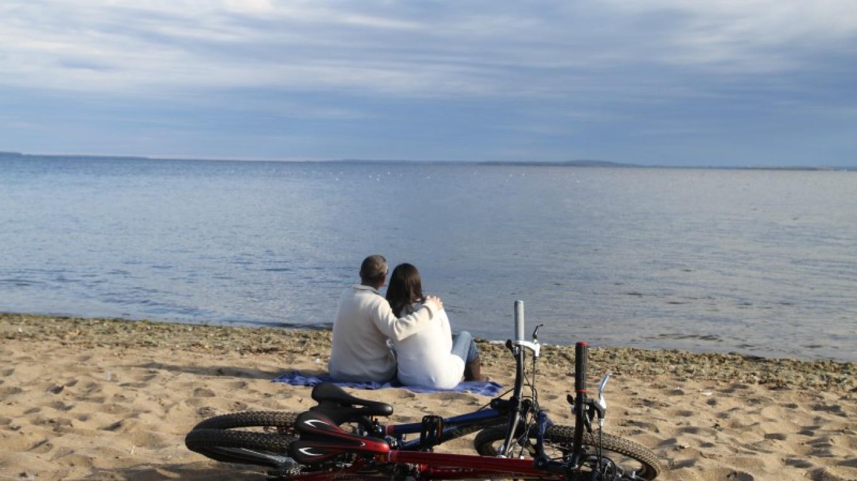 Port Kent Beach in the fall. – Adirondack Coast Visitor's Bureau.