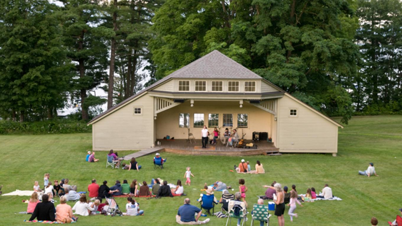 Summer concert series at Ballard Park – Dee Carroll