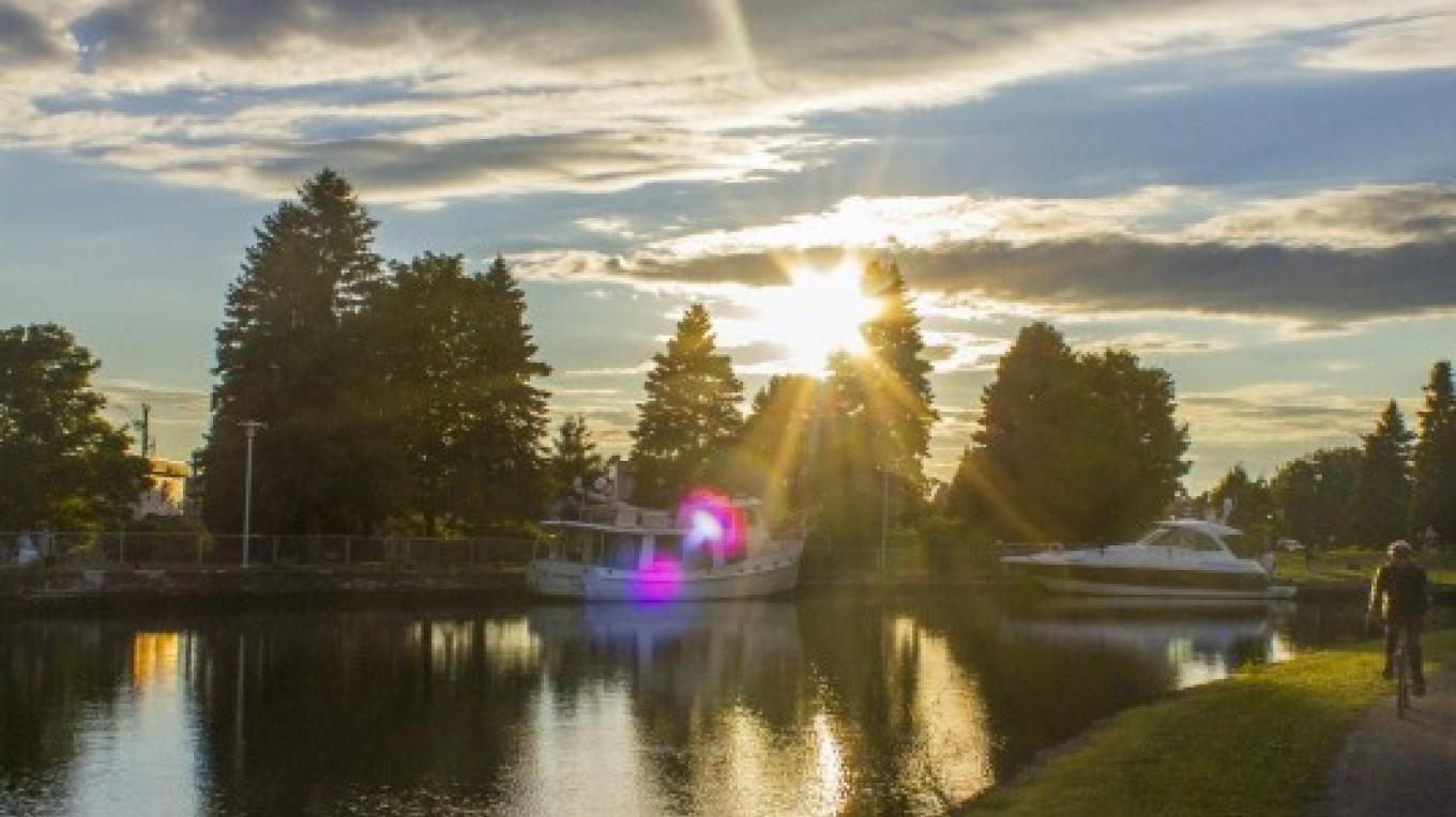 Sunset on the Chambly Canal. – Parks Canada