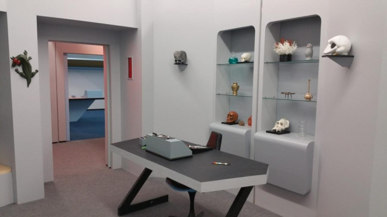 Dr. McCoy's office. – Courtesy of and copyright by Star Trek Original Series set Tour and CBS.