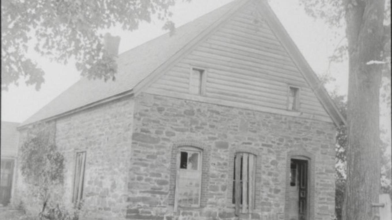 In 1718 stone house built by Nicholas (Claes) Vandenburgh at the ferry crossing later called the Dunsbach Ferry. This very early ferry was the most important Mohawk River Crossing between Albany and the lands north. – Town of Clifton Park History Collection