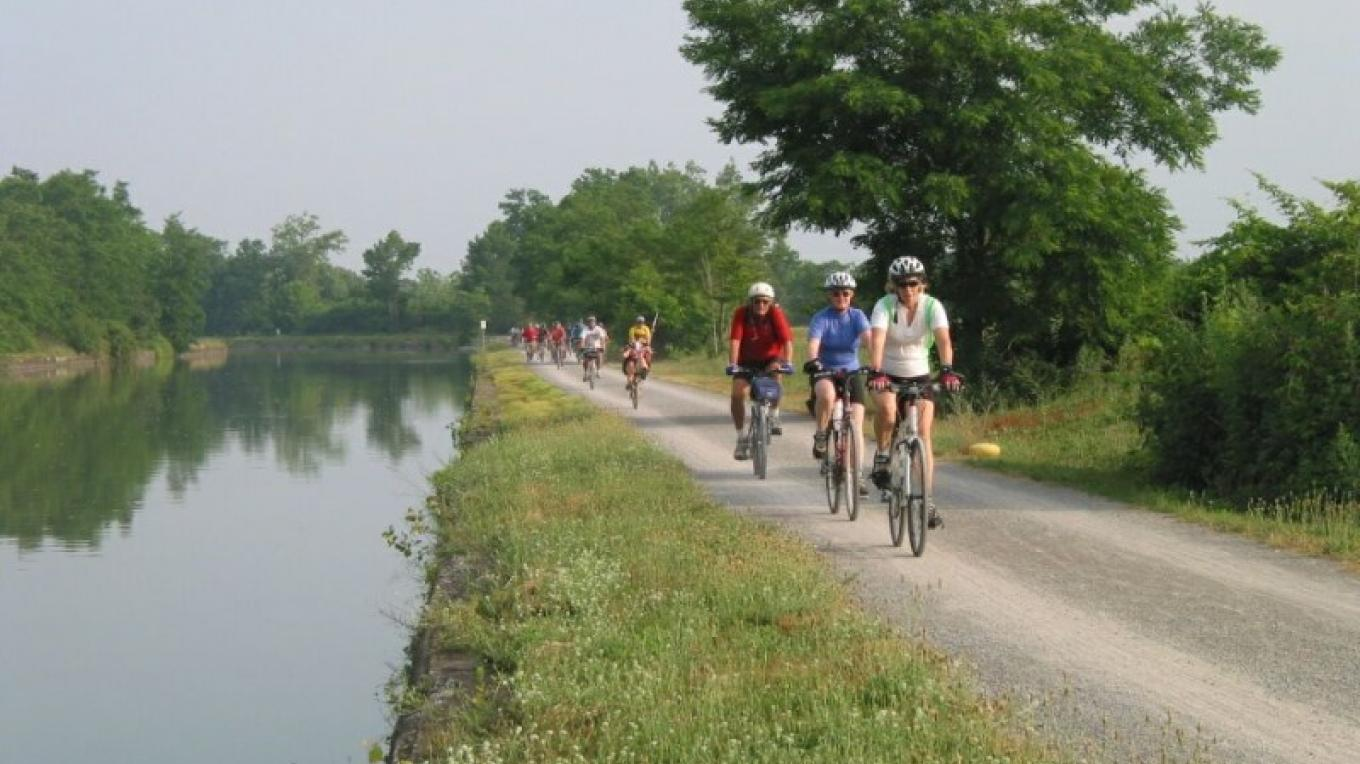 Bikers Along the Canalway Trail – Canal Corporation