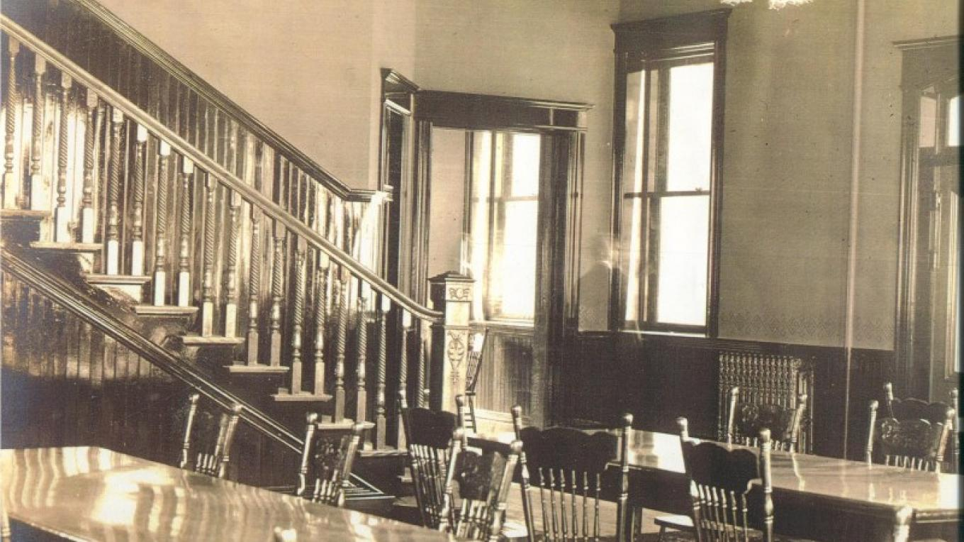 Pember's ghost in the library – P Wesner