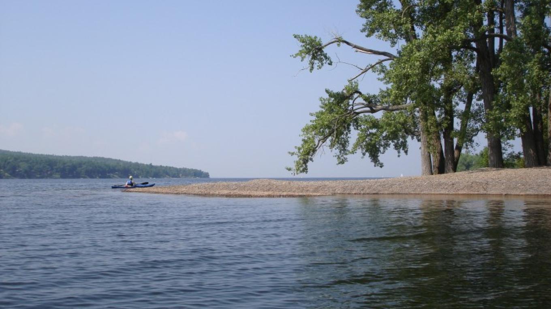Rounding the southwestern corner of Schuyler Island. – Courtesy of Cathy Frank