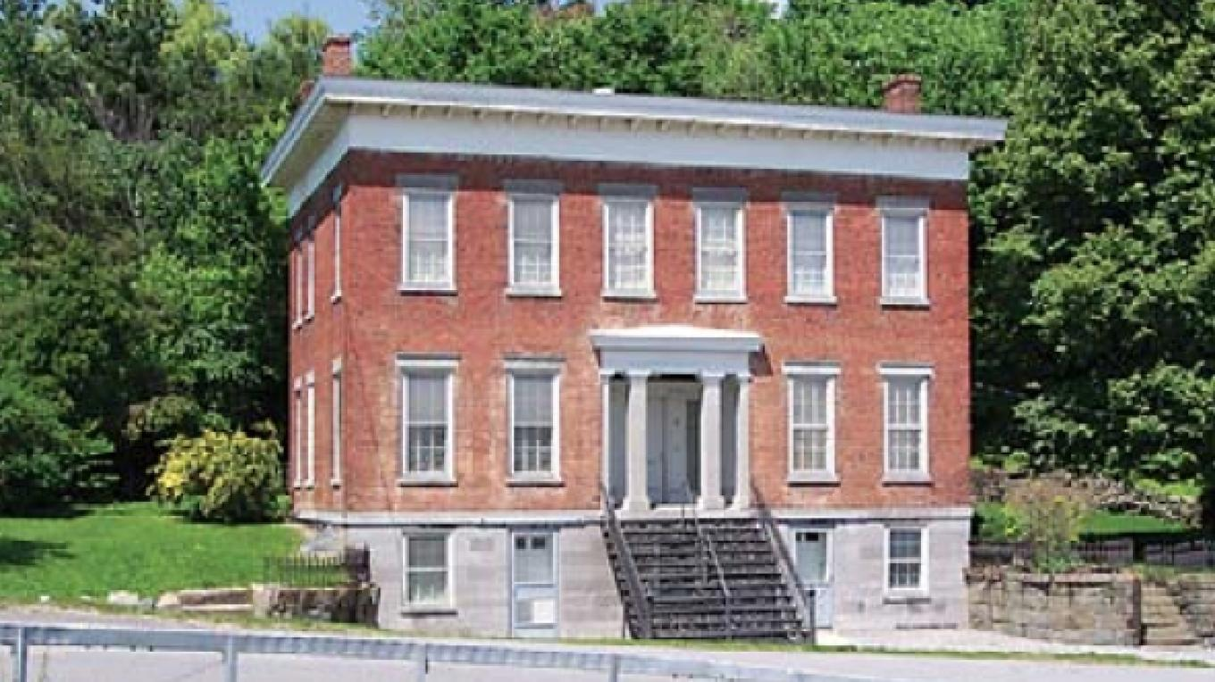 The historic Noxon Bank building forms a dramatic entrance to the Town of Halfmoon, to the Mohawk Towpath Byway and to the Crescent-Church Hill Historic District. – Eric Hamilton
