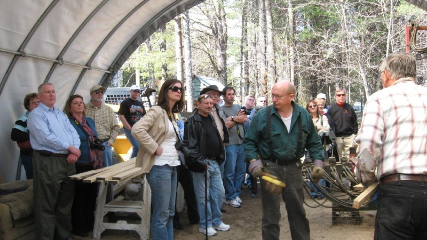 Visitors @ Martin' Lumber learn about sawing on a band sawmill – Winefred Matin