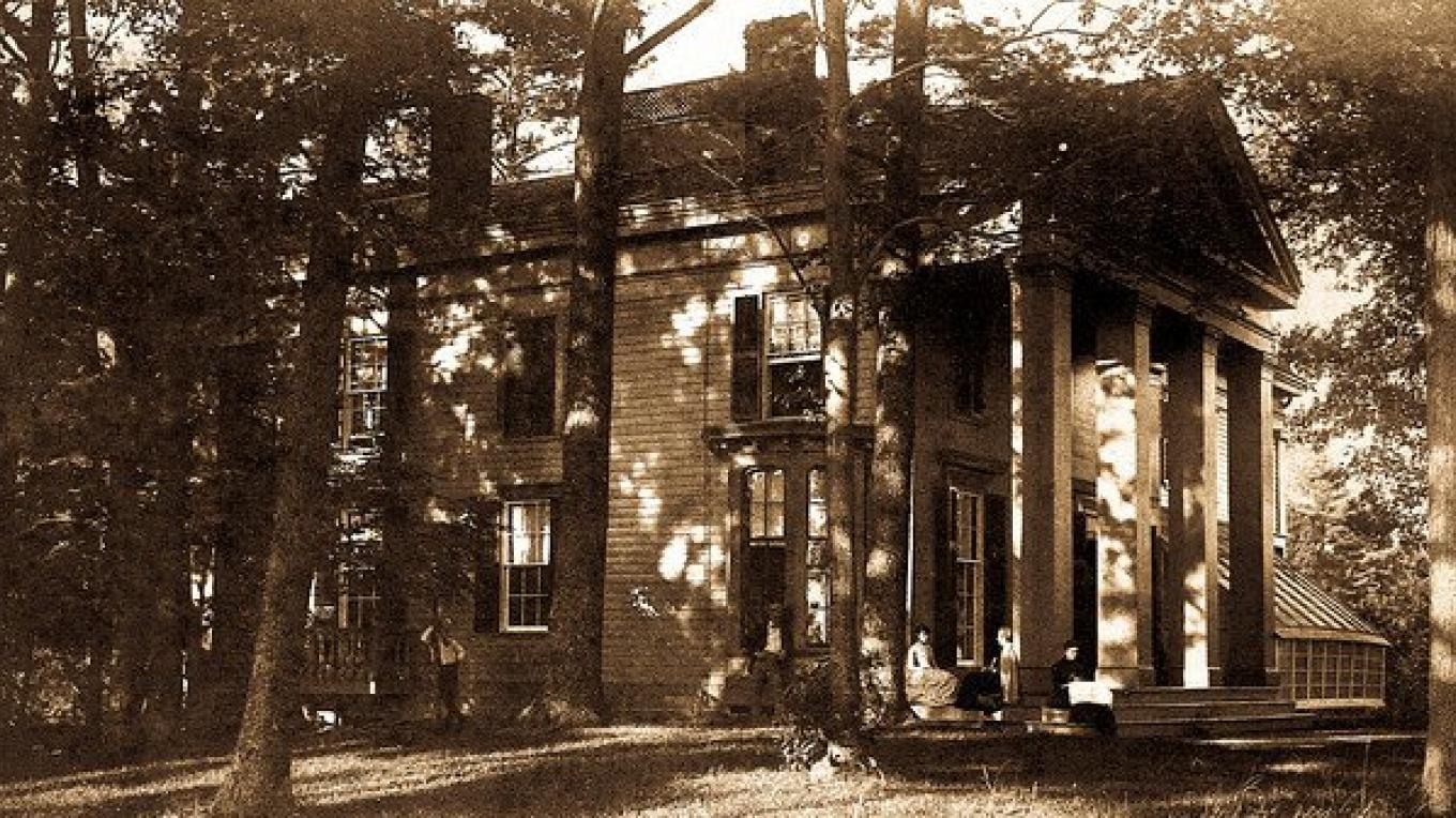 Early photo of Judge McMartin's home. – Unknown
