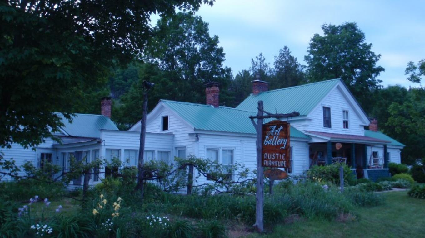 Adirondack Ambiance in the evening – Amber Rohe