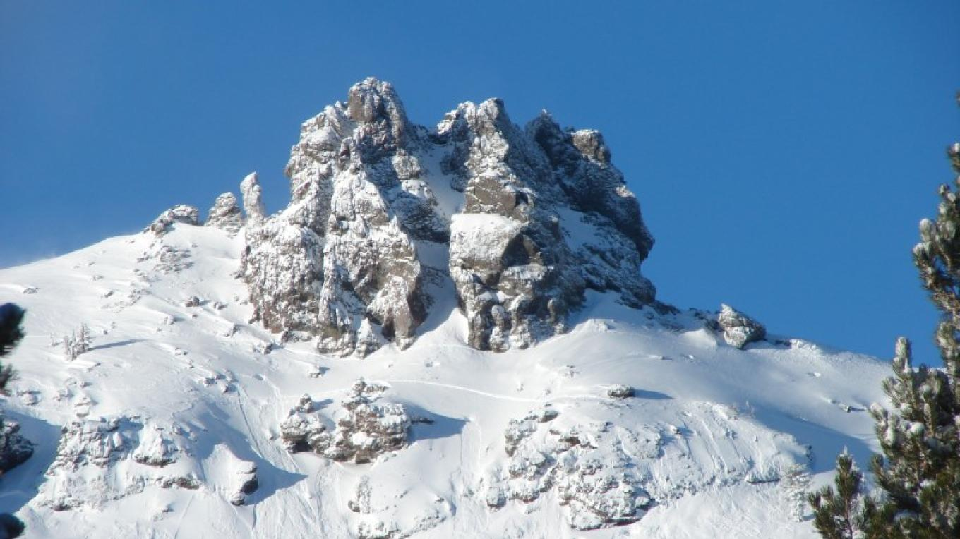 A Shot of Glove Rock On A Bluebird, Powder Day – Kirkwood Mountain Resort
