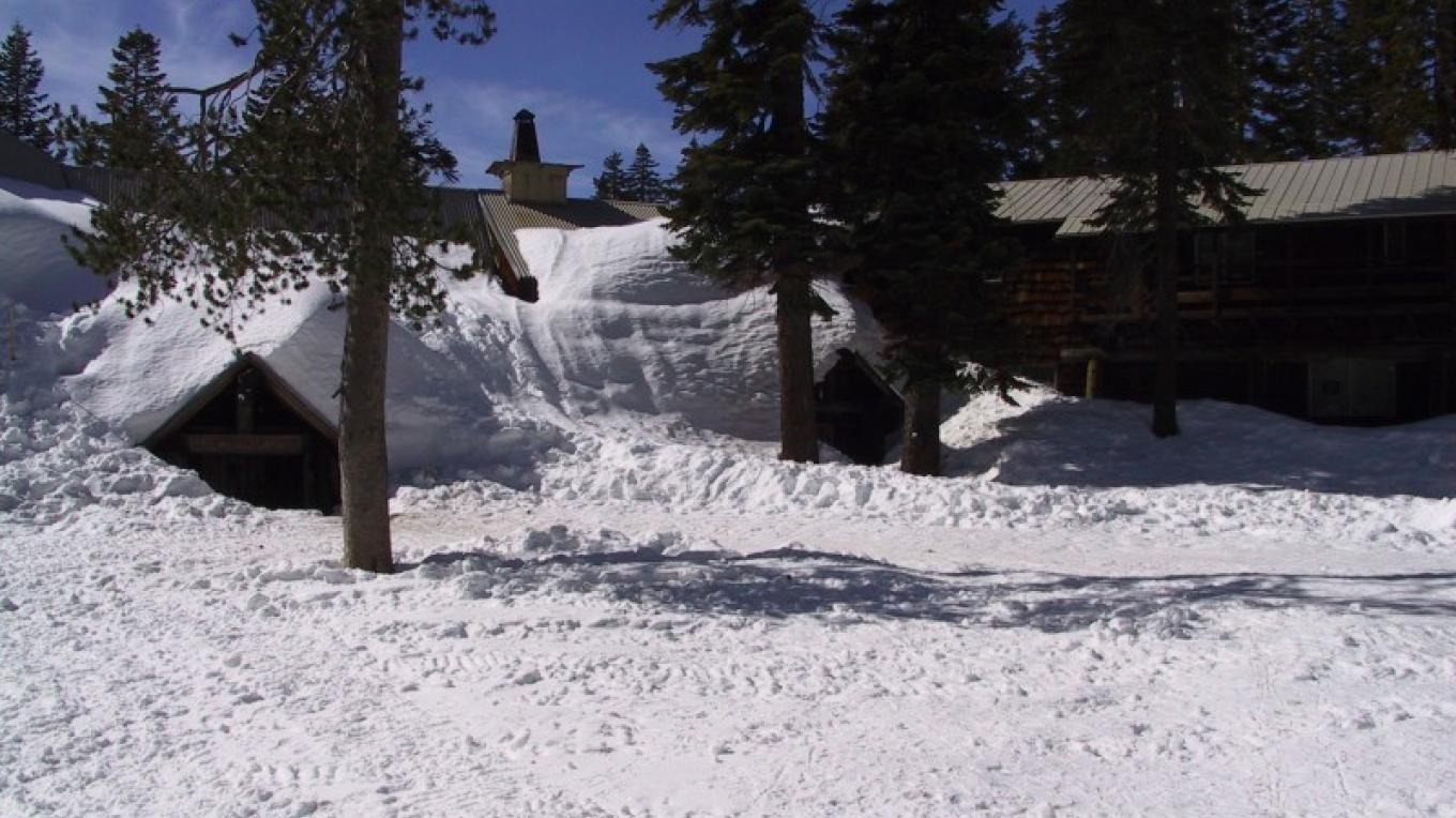 Snow covered entrance to Clair Tappaan Lodge – Richard Boyden