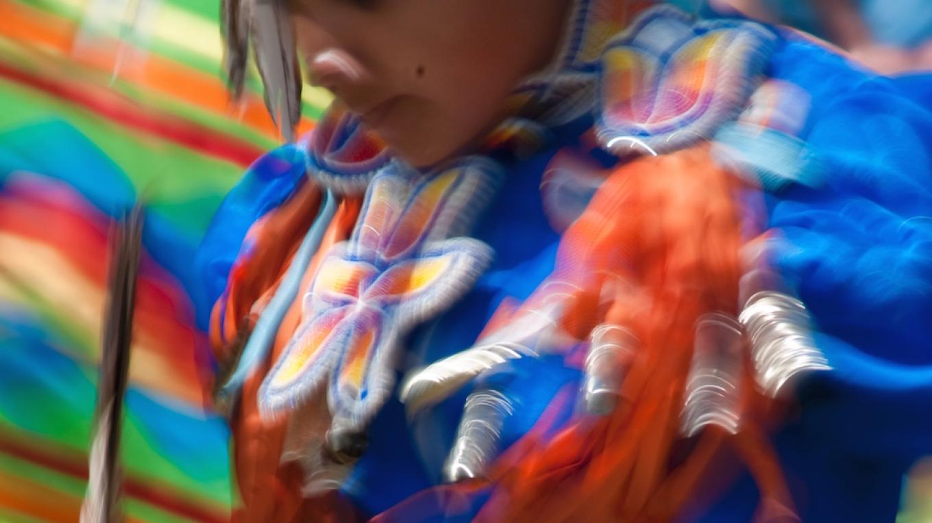 Dancer at Mariposa Chi-Tock-Non Kote-U-Pu (pow wow) – Photo by Charlie Phillips