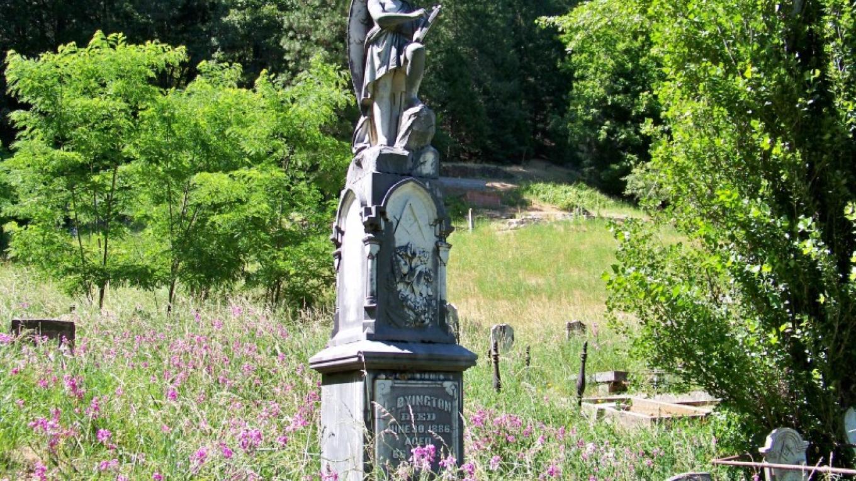 Grave of Lewis Byington Downieville Cemetery – Lee Adams