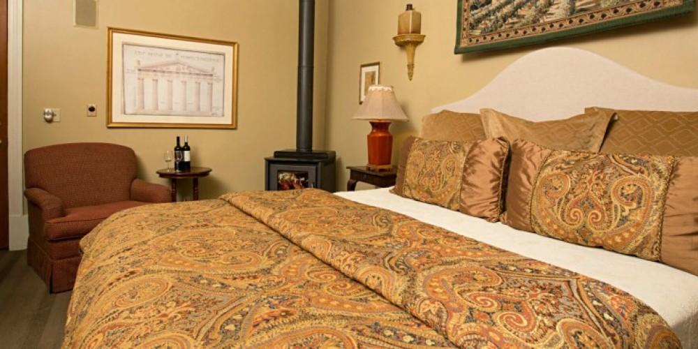 The Doris Suite at the Victoria Inn in Murphys, California: http://www.victoriainn-murphys.com – Digimanstudios.com