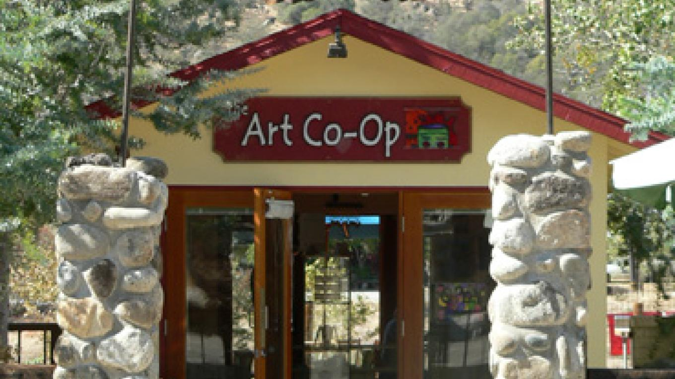The Art Co-op in Three Rivers, CA – Nadi Spencer