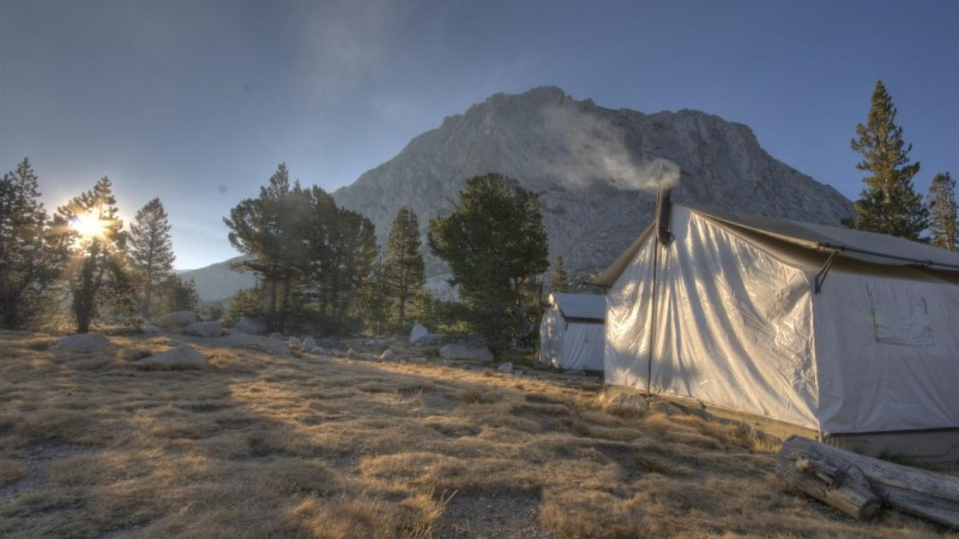 Vogelsang tent cabins and Fletcher Peak at sunrise.