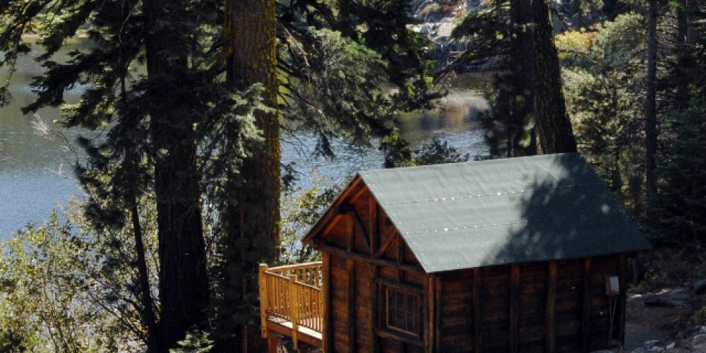 Green Top Cabin at Packer Lake Lodge. – Packer Lake Lodge