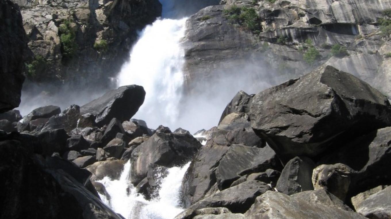 Wapama Falls from bridge below – User:Inklein