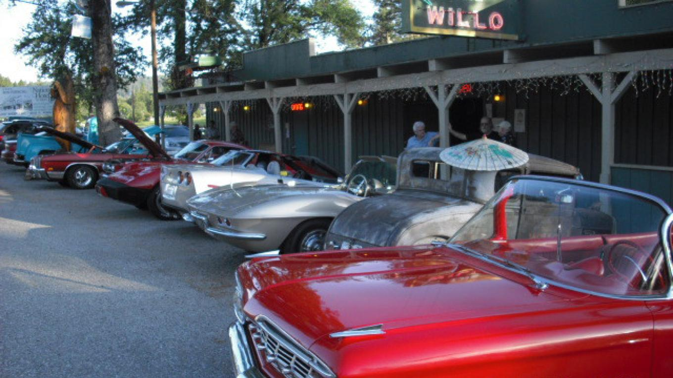 Vintage cars cruise to the Willo – michael byrne
