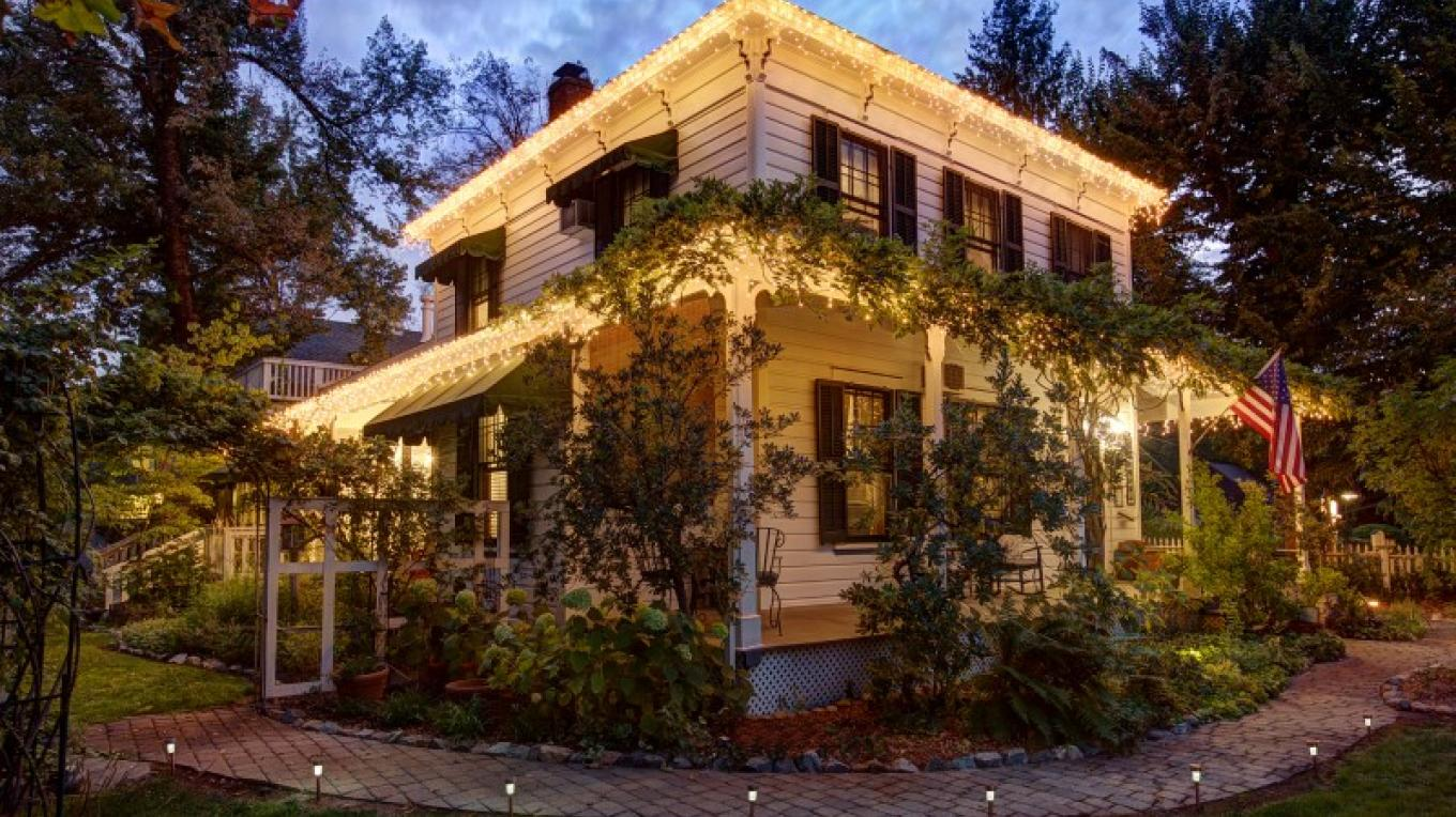 The Dunbar House Inn and Event Property in Murphys, California. http://www.dunbarhouse.com – digimanstudio.com