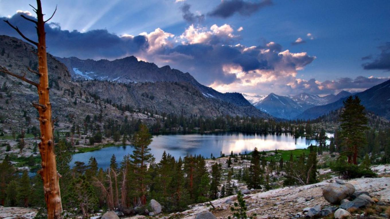 Arrowhead Lake in the High Sierra – a jewel of the West. – Aaron Doss