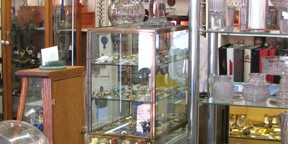 The variety of vintage and antique collectibles is wondrous! – Karrie Lindsay