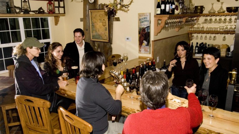 Inside the Queen's Inn Wine & Beer Garden – Rikki Alley