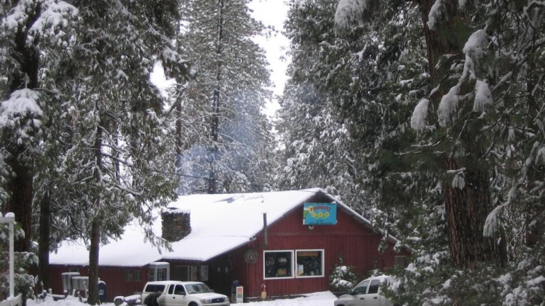 Pinehurst Lodge in winter - a short walk from Fivespot Cabin – Mahalia LoMele