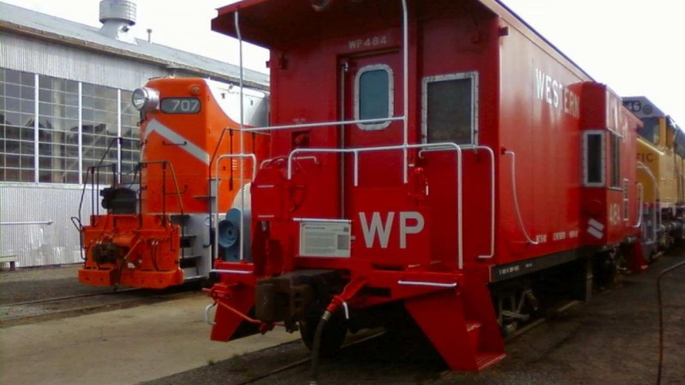 WP 707 and WP Caboose 484 – David Epling