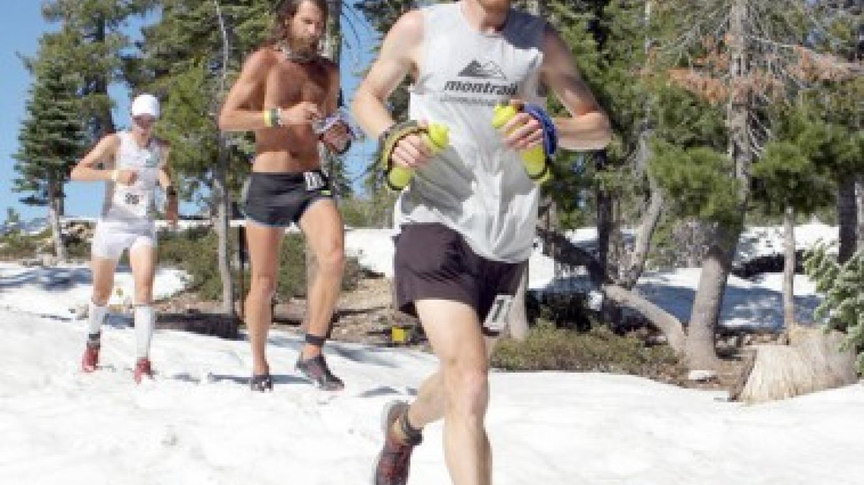 WS100 - 2010: Geoff Roes leads Anton Krupicka and Kilian Jornet through the snow outside Robinson Flat – Michael Kirby/Auburn Journal