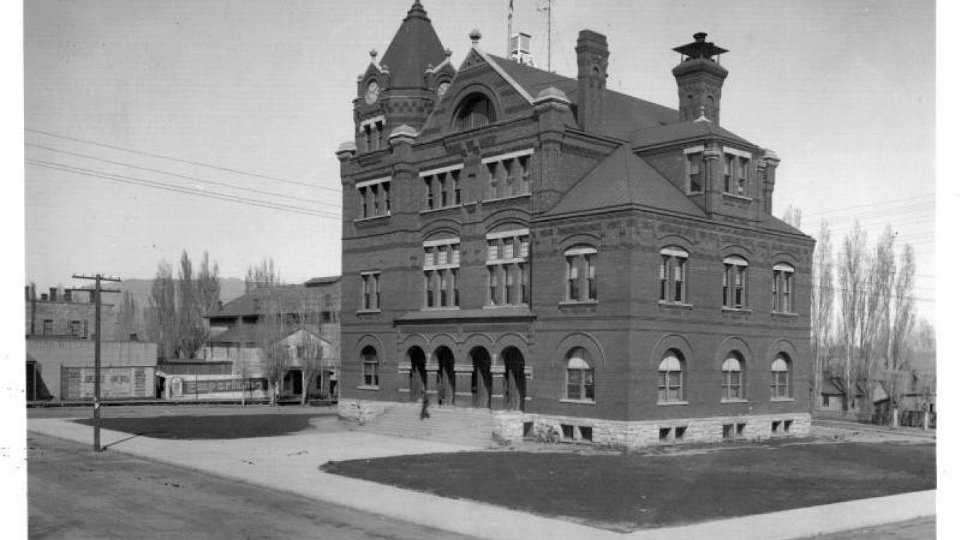 Glory days, when the Post Office was one of the most imposing buildings in town. – JM Johnson, 1900