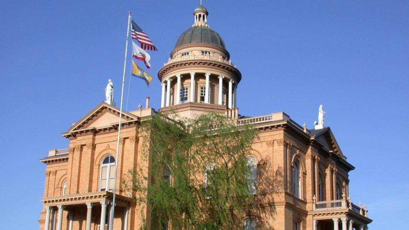 Auburn's Historic Courthouse – Anita Yoder