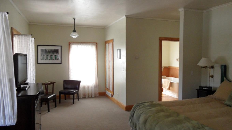 Room 4 - Limon – Tracey Berkner
