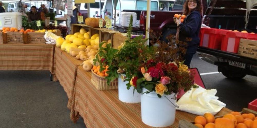 Auburn Old Town Farmers' Market is blooming with fresh flowers, fresh produce and fresh community! Come out and get a taste of local flavor. – Foothill Farmers Market