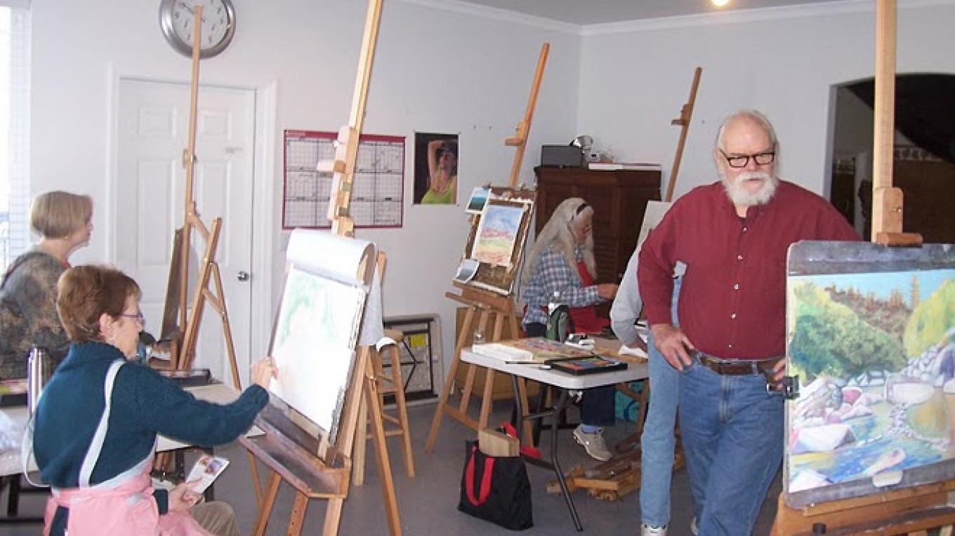 Drawing and painting classes with local artist Phil Brown at ASiF Studios