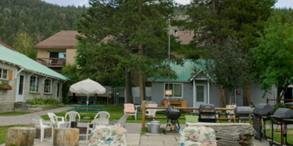 Comfortable chairs for viewing the lake, reading or napping – Lake Front Cabins